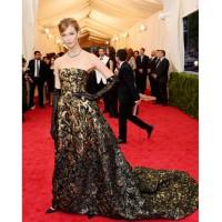 Karlie Kloss in Oscar de la Renta F/W http://www.whowhatwear.com/met-gala-ball-red-carpet-fashion-2014/slide48