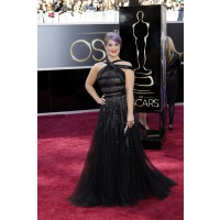 Kelly Osbourne in Tony Ward Couture. Source: http://oscar.go.com/red-carpet/photos/85th/red-carpet/womens-fashion-20