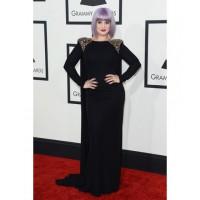 Kelly Osbourne looking super stylish in Badgley Mischka. Image via http://www.huffingtonpost.com/2014/01/26/grammys-red-carpet-2014-photos_n_4628162.html