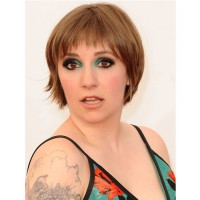 Lena Dunham's emerald eyeshadow. http://www.cosmopolitan.co.uk/_mobile/beauty-hair/news/trends/celebrity-beauty/lena-dunham-makeup-emmy-awards-2013?ignoreCache=1