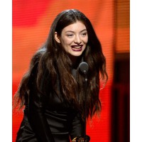 Oh lawdy it's Lorde-y. Looking kinda goth, kinda like the teenager next door. http://www.dailymail.co.uk/tvshowbiz/article-2546515/Grammy-Awards-2014-Lorde-rules-supreme-hit-Royals.html