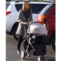 Jessica Alba car shopping with baby Honor. source: celebrity baby scoop credit: infphoto.com http://www.celebritybabyscoop.com/2011/12/22/jessica-alba-haven-shopping-for-some-new-wheels