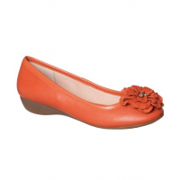 D.F Supersoft Eliza Orange Pump $129.95 http://www.myer.com.au/shop/mystore/au-women-shoes-comfort-wide-fit-s-622/dfsupersoft-eliza-orange-pump#&panel1-1