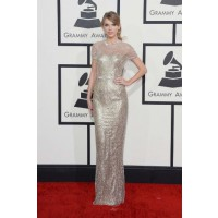 Best red carpet looks: Taylor always looks polished and poised on the red carpet – hasn't she grown up! Via Vogue Australia. http://www.vogue.com.au/culture/red+carpet/galleries/the+best+looks+from+the+grammy+awards+2014+red+carpet,28517?pos=4#top