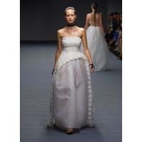 Volume: Carla Zampatti, MBFWA Spring Summer 2014-15. http://www.elle.com.au/runway/aus-fash-week/ss14-15/2014/4/carla-zampatti-ss14-15/carla-zampatti-image-33/