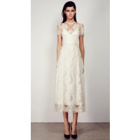 Lace sleeves: Alex Perry Gabriel Dress. http://www.alexperry.com.au/collections/women-of-the-8th.html