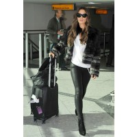 Kate Beckinsale channels her inner rock chick at London's Heathrow Airport. Source: Glamour Magazine UK. http://www.glamourmagazine.co.uk/fashion/celebrity-fashion/2011/06/celebrity-airport-fashion-style#!image-number=12