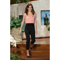Emma wore a pair of high-waisted pants and pink cropped top during an appearance on Ellen — the ensemble is simple yet undeniably chic. Source: The Ellen DeGeneres Show/Warner Bros. http://photos.ellen.warnerbros.com/galleries/ellens_11th_season#299003
