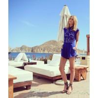 @tuulavintage, a.k.a. Jessica Stein. http://instagram.com/p/YfoHwmq3ww/