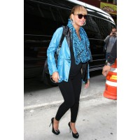 Dress up basic maternity wear with killer accessories. Source: PacificCoastNews.com via Zimbio. http://www.zimbio.com/pictures/ekocPAAaFhv/Beyonce+Out+in+NYC/I0Rgbol-rzG/Beyonce+Knowles