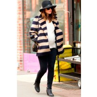 Invest in wardrobe classics. Source: Look Magazine. http://www.look.co.uk/pictures/pregnant-celebrities-how-the-a-list-work-maternity-fashion/olivia-wilde-opts-for-top-to-toe-monochrome-out-in-new-york-