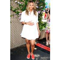 Ditch heels for comfy kicks. Source: Rex via Instyle UK. http://www.instyle.co.uk/celebrity/pictures/pregnant-celebrities/ciara-0