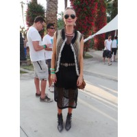 Part rock chick, part boho babe, Kate Bosworth was definitely one of the best dressed at this year's Coachella Music Festival. Source: WENN via Just Jared. http://www.justjared.com/2013/04/14/kate-bosworth-michael-polish-topshop-twosome-at- coachella/