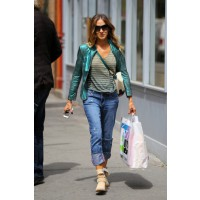 Oh, Carrie – sorry, SJP – how we adore you. We love everything you wear, especially this oh-so-cool boyfriend-jeans-and-metallic-biker-jacket combo. Source: PacificCoastNews.com via Zimbio. http://www.zimbio.com/photos/Sarah+Jessica+Parker/Sarah+Jessica+P