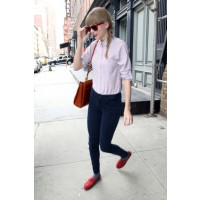 Natashas_offdutystyle_9 We normally see Taylor in ladylike threads, but turns out she's also comfortable in hipster-meets- prepster apparel, too. Source: PacificCoastNews.com via Zimbio. http://www.zimbio.com/photos/Taylor+Swift/Taylor+Swift+Out+in+NYC/Qi
