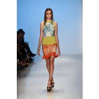 Jayson Brunsdon Spring Summer 2014/15. Source: Marie Claire Australia. https://au.lifestyle.yahoo.com/marie-claire/fashion/runway/g/22502203/jayson-brunsdon-mbfwa-2014-runway/22502205/#15