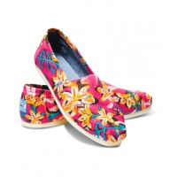 TOMS Pink Floral Classic Alpagartas, $75. http://www.toms.com/womens/shoes/classics/pink-floral-vegan-women-s-classics/s