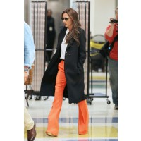Victoria Beckham rocking a casual-meets-chic look at JFK Airport in New York. Source: PacificCoastNews.com via Zimbio. http://www.zimbio.com/photos/Victoria+Beckham/Victoria+Beckham+Arrives+NYC/6SCeeBXfDmY