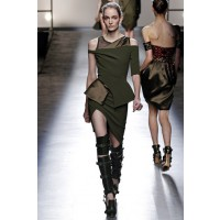 Military chic: Prabal Gurung RTW Autumn/Winter 2013, New York Fashion Week. Source: Nicoleta Parascan via Fashionising.com. http://www.fashionising.com/runway/b--prabal-gurung-aw-13-44599.html#9