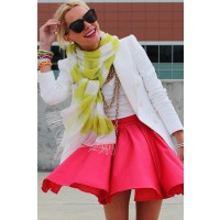 Large scarves can be worn in a generous warp around the neck or as a headpiece or skirt. Source: Lillypulitzer.tumblr.com
