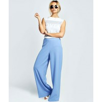 GET THE LOOK > Boohoo Ellie textured crepe palazzo trousers, £25 http://www.boohoo.com/new-in/ellie-textured-crepe-palazzo-trousers/invt/azz27119
