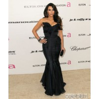 Image via: Celeblish http://www.celeblish.com/kim-kardashian-navy-evening-gown-with-a-mermaid-silhouette-red-carpet-dress.html