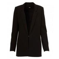 Sportsgirl Longline Blazer, $129.95 http://www.sportsgirl.com.au/clothing/jackets/longline-blazer-black