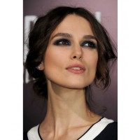 Keira Knightly's dark eyes pop with this royal blue smokey eye. Image via http://www.style.com/beauty/beautycounter/2014/01/keira-knightley-smoky-eyes/?utm_source=facebook&_osource=facebook