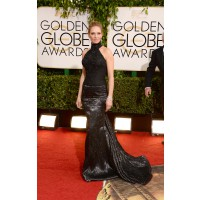 Uma Thurman in Versace http://www.huffingtonpost.com/2014/01/12/golden-globes-red-carpet-2014_n_4499470.html