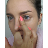Blend the concealer in with the warmth of your finger.