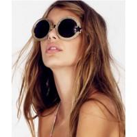 WILFOX Luna Sunglasses http://www.wildfox.com/wildfox-sunglasses-luna-frame