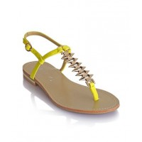Citrus Flats great with monochrome http://www.billini.com/Shop/SPIKE_CITRUS_.aspx?utm_source=LMG&utm_medium=Post&utm_campaign=SS