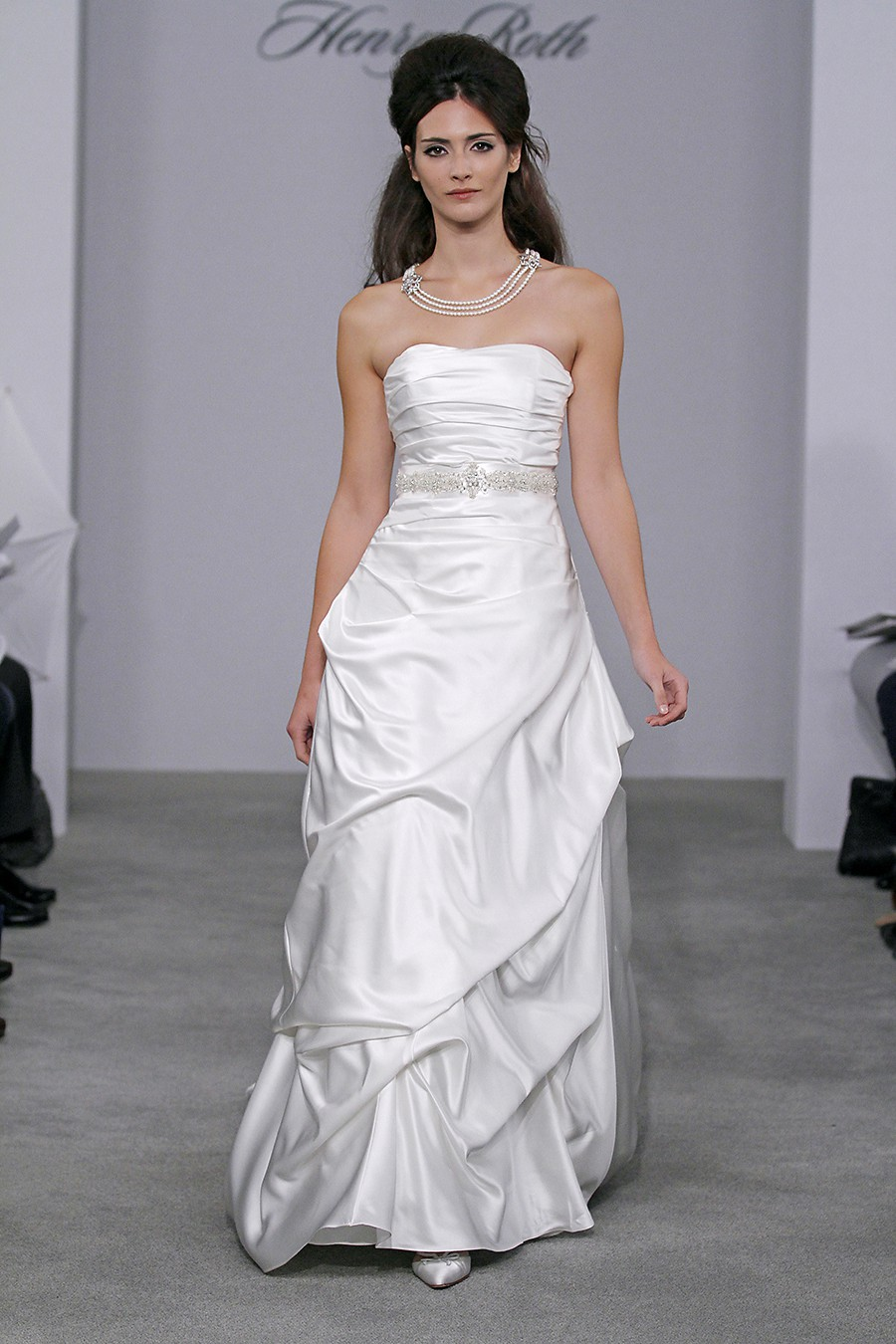 Henry roth sydney factory outlet bridal fashion for Wedding dress warehouse sale